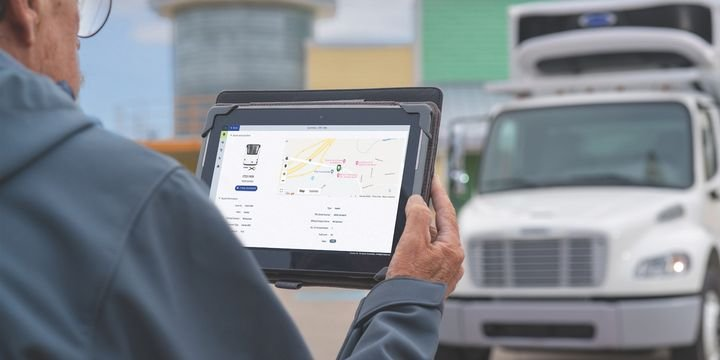Next-generation trailer telematics will soon provide reams of real-time maintenance, location, performance and cargo data to shippers, fleets and OEMs. - Photo: Carrier Transicold
