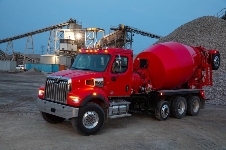 DTNA says the Western Start 47X in mixer configuration weighs in a just 16,100 pounds in some instances. - Photo: Western Star