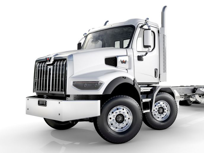 Western Star will offer the 47X with a twin-steer prep package for export to Canada. - Photo: Western Star