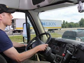 When Is a Truck Driver an Employee or a Contractor?