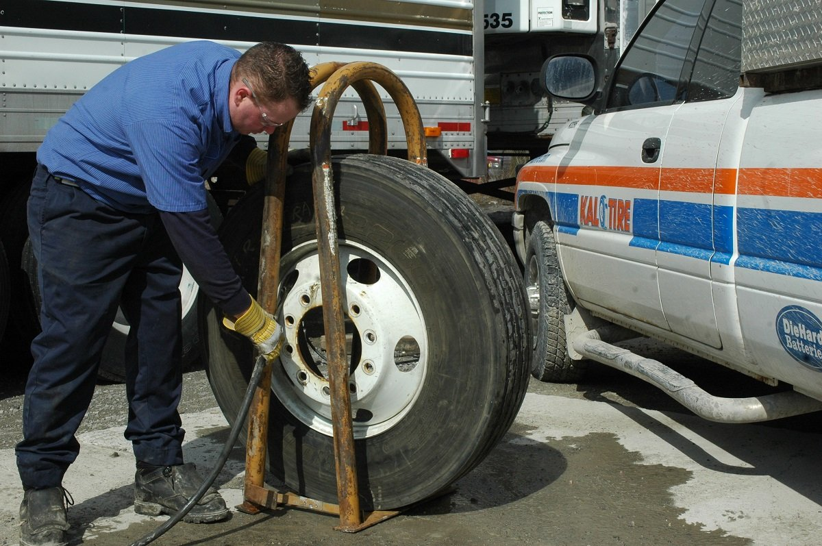 How Fleets Can Be Proactive With Tire Safety