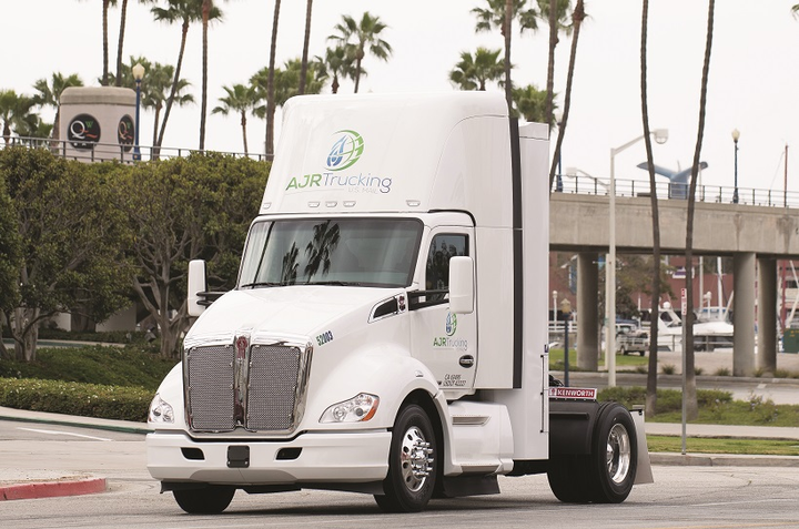 Positive test results led mail hauler AJR to put in for a contract bid with the USPS to use 20 Kenworth T680s powered by the Cummins Westport ISX12N Near Zero natural gas engine. The trucks will be dedicated to a 50-mile postal run, from Santa Clarita, California, to Los Angeles International Airport, and will replace 20 older diesel trucks.