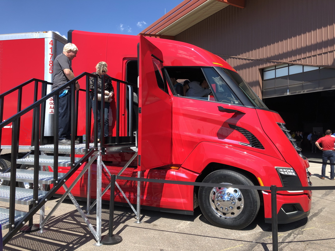 What's Behind the Grille of the New Nikola Hydrogen-Electric Truck