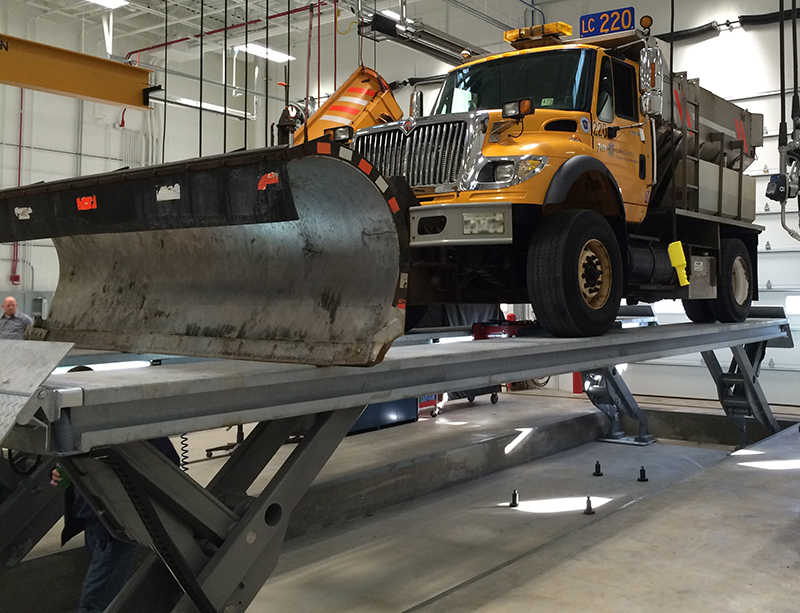 10 Tips to Improve HD Vehicle Lift Safety