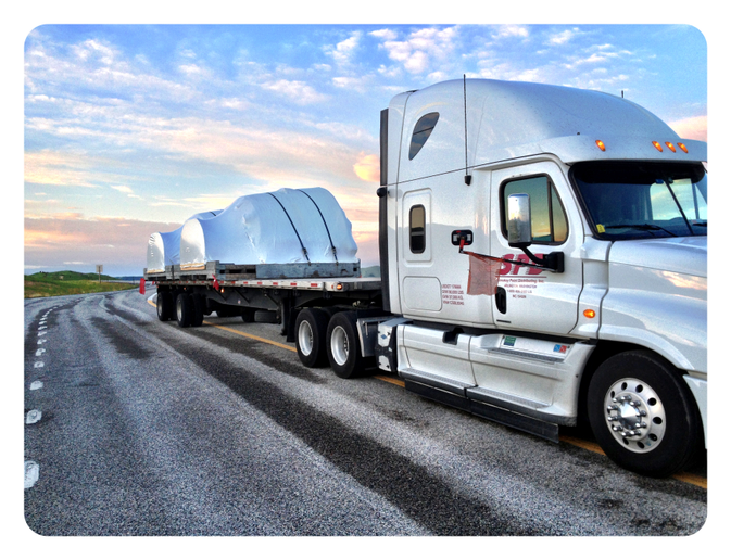 Smokey Point Distributing, a Daseke company, says the hot flatbed freight situation has forced it to become more efficient. Photo: Smokey Point Distributing