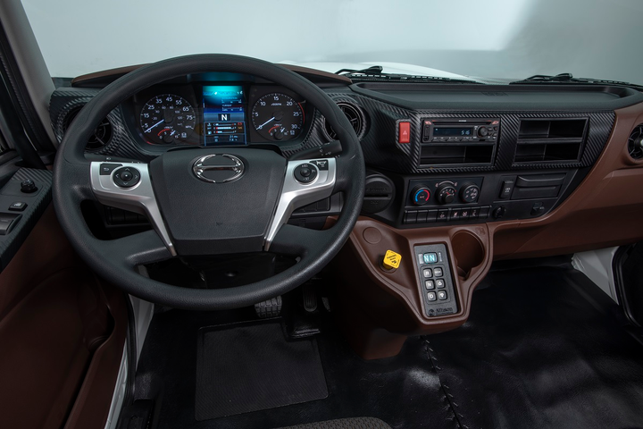 The dash in the XL8 is nicely styled, functional, and thoughtfully laid out, with everything the driver uses frequently placed front and center.