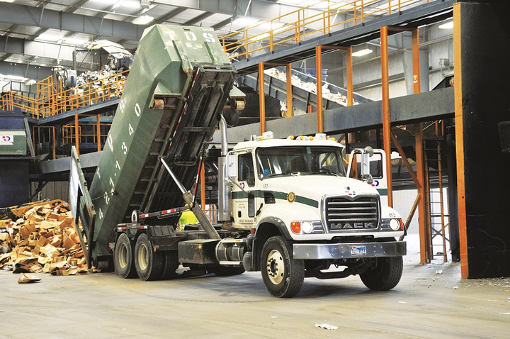 A new engine fan helped one Texas refuse fleet cut maintenance costs while boosting safety.
