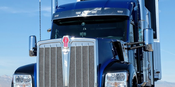 The in-your-face frontal profile of the W990 is impossible to mistake for anything but a Kenworth.