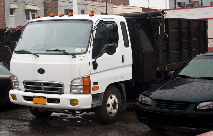 Hyundai made an attempt to bring commercial vehicles to North America branded as Bering Trucks in the 1990s. But the effort eventually fizzled. - Photo:Mr.choppers via Wikimedia Commons [CC BY-SA 3.0]