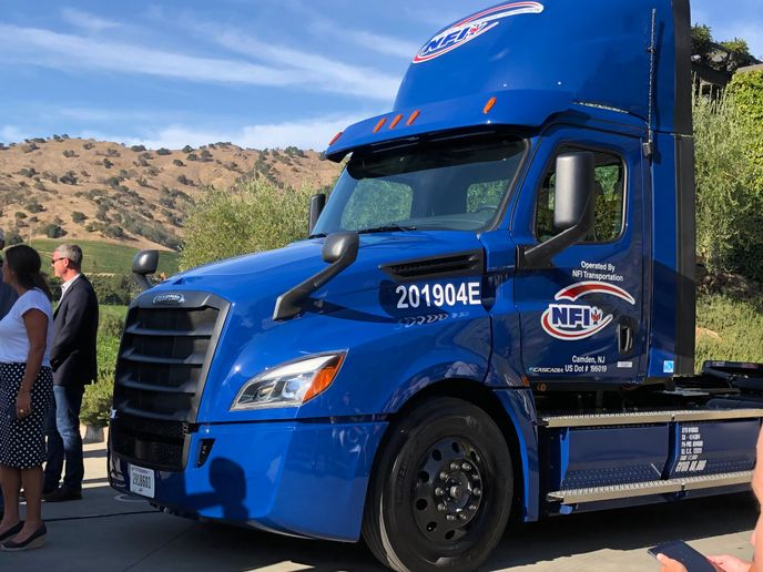 Penske has reported that the Freightliner eCascadia Class 8 trucks it took possession of in August had logged more than 10,000 real-world miles by year's end. - Photo: Jack Roberts