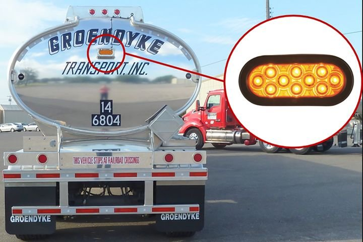 Groendyke orders trailers with a high-mounted red brake light and replaced it after delivery with an off-the-shelf amber strobe light. - Photo: Jim Park