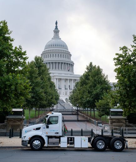 The battery-electric Peterbilt Model 579EV was on display at Peace Monument directly in front of the steps leading up to the Capitol building. - Photo: Peterbilt