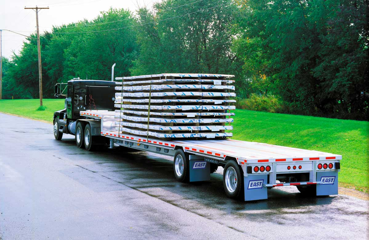 "Drop-deck with a spread tandem is far advanced from the ""split tandem"" flatbed from the 1950s that's in Berg's memory, but the spread-axle concept is the same.
