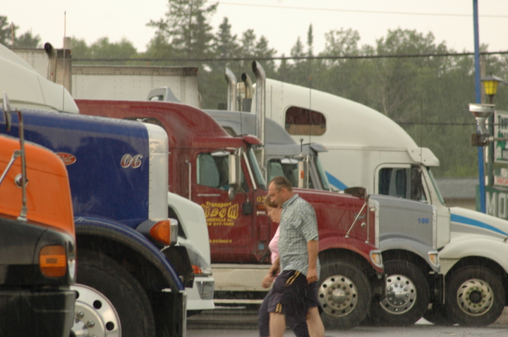 Driver shortage? Fleets say yes, but many drivers disagree.