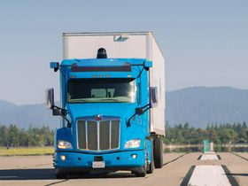 Self-Driving Tech Developer Aims for 24/7 Trucking