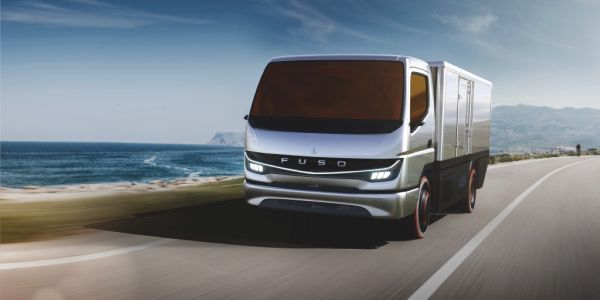 "The Fuso Vision F-Cell is a just-rolled-out ""fully drivable concept model"" intended to help..."