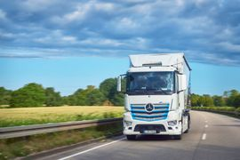 Daimler Launches E-Mobility Ecosystem to Consult with Fleets on Going Electric
