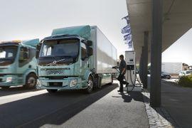 Volvo Begins Selling Electric Trucks in Europe
