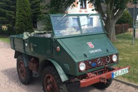 70-Year-Old Unimog Still Working – for a Good Cause