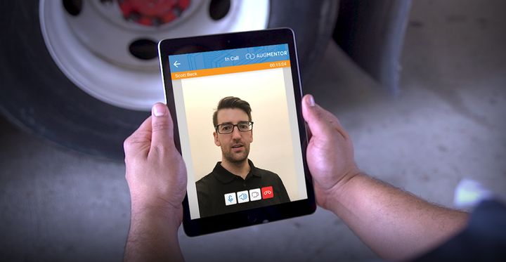 Remote Collaboration Video Calling gives technicians the abilityo contact other technicians or experts and simultaneously see the repair procedures they need to execute in real time.  - Photo: Design Interactive