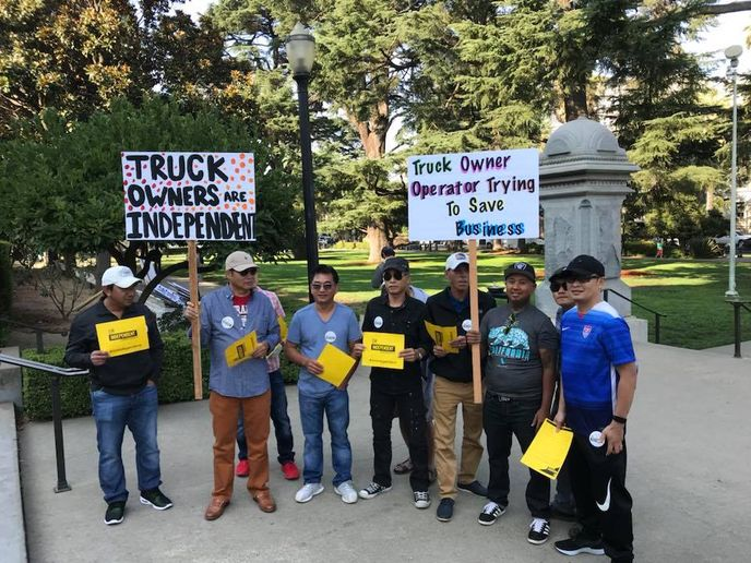 California owner-operators protest efforts to require them to become employees.