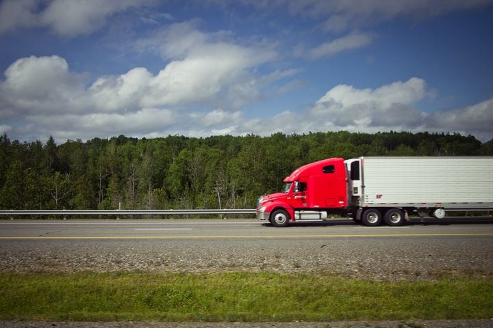 CARB noted that, in the meantime, it will continue to administer the California GHG trailer regulation on a voluntary basis. - Photo: U.S. DOT