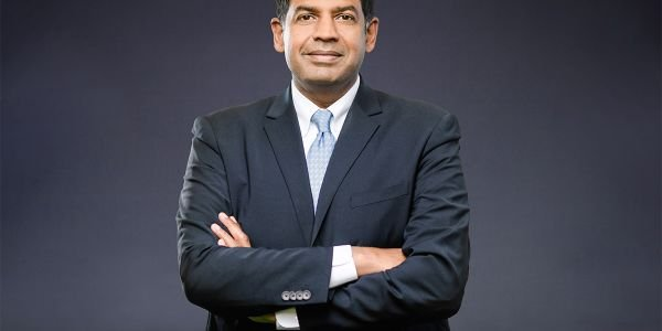 Chris Villavarayan has been named Meritor's executive vice president and chief operating officer.
