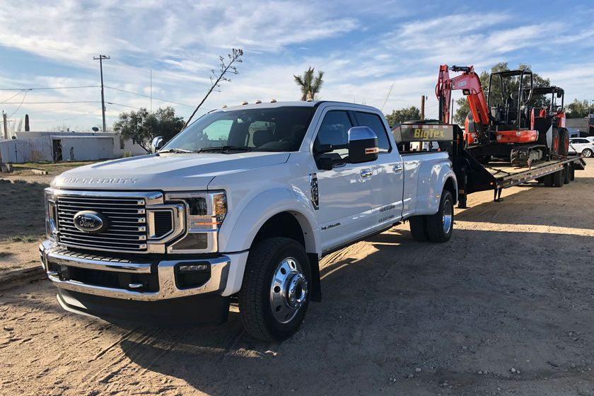 The new Ford 2020 Super Duty truck series features a bold new look and productivity enhancements...