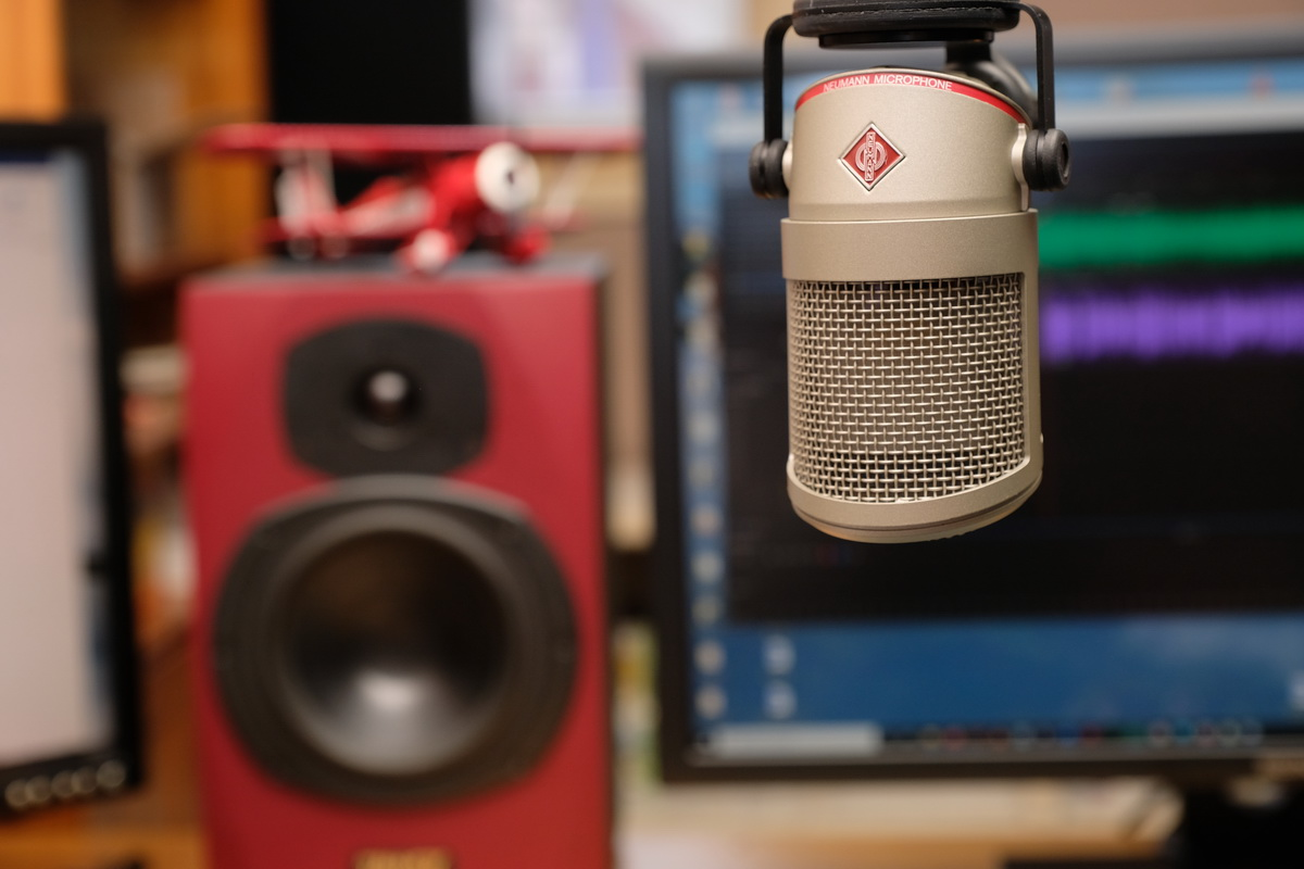 HDT Talks Trucking Podcast Debuts with Episodes on Safety, Electric Trucks
