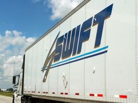 Knight-Swift, DAT Team up for Predictive Rate Forecasting Pilot