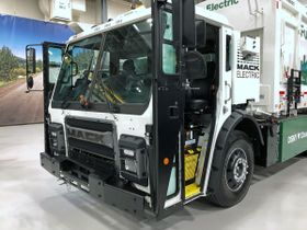 Mack Trucks Demonstrates Mack LR Electric for New York City