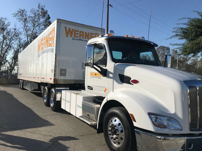 The Class 8 electric truck being piloted by Werner is powered by TransPower and Blue Horizon technology from Meritor.