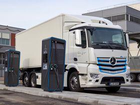 Daimler Trucks Launches Global Electric-Truck Charging Initiative