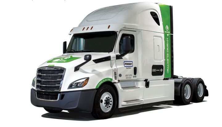 Hyliion will provide three vehicles to Penske Truck Leasing equipped with its 6X4HE Class 8 hybrid system, using Spicer Electrified e-Powertrain components. - Photo: Hyliion