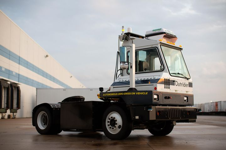 Outrider said its system automates the repetitive, manual aspects of yard operations, including moving trailers around the yard, moving trailers to and from loading docks, hitching and unhitching trailers, connecting and disconnecting trailer brake lines, and monitoring trailer locations. - Photo: Outrider