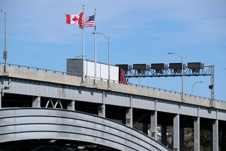 """While the U.S. and Canada have instituted restrictions on border crossing, both countries agree that the bans will not stop the commercial trucking industry from the making """"essential"""" deliveries. - Photo: Jim Park"""
