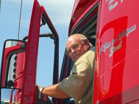 FMCSA Gives Commercial Drivers Extension on Expiring CDLs, Medical Cards
