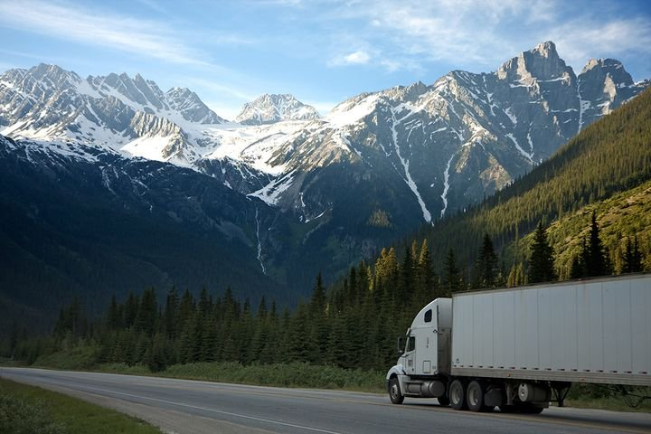 During the waiver period, CPL holders will no longer need to have a CDL holder in the front seat as long as they are somewhere within the cab. - Photo: 500photos.com via Pexels