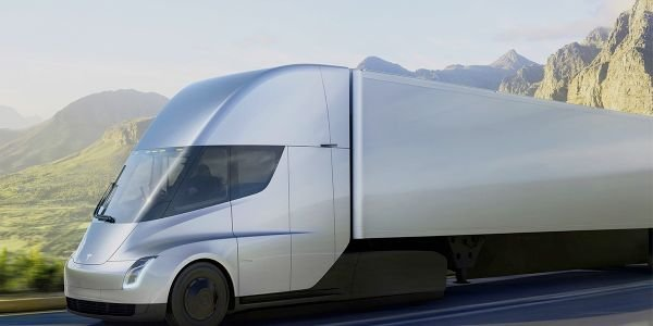 Interested fleets will now have to wait until 2021 to get their hands on the electric Tesla Semi.