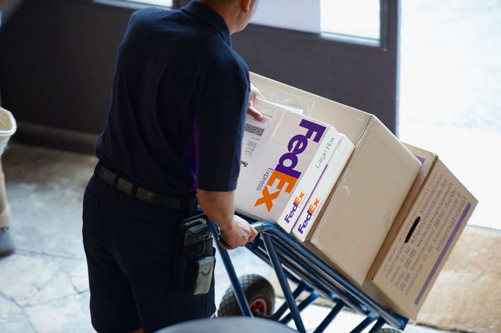 FedEx Surround will provide near-real-time analytics into shipment tracking.