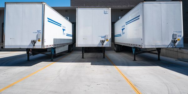 April Trailer Orders Drop to Lowest Level in 30 Years