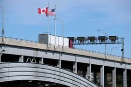 Canadian Border Officials Collecting Truckers' Personal Information