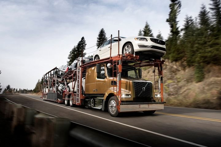 The new VAH auto hauler model features a modern design and offers maximum payload including the lowest cab height in the industry.  - Photo: Volvo Trucks North America