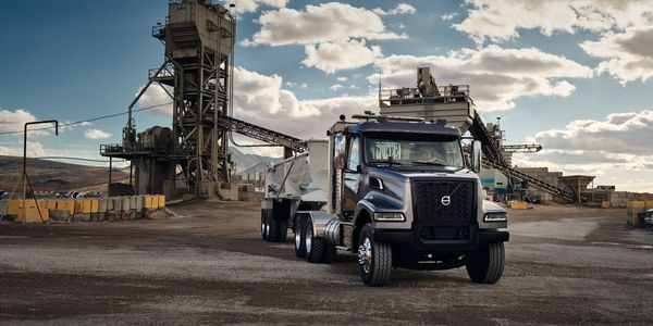 Volvo Trucks' newly designed VHD Series is ideal for applications such as dump, mixer, roll-off,...