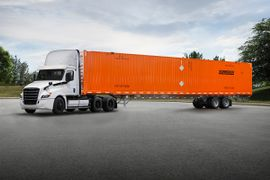 Schneider Enters Freightliner's Customer Experience