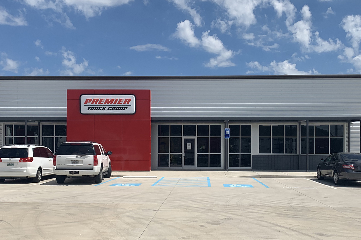 SelecTrucks Opens New Center in Chattanooga