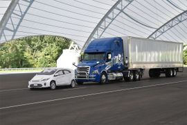 IIHS: Front Crash Prevention Works for Large Trucks