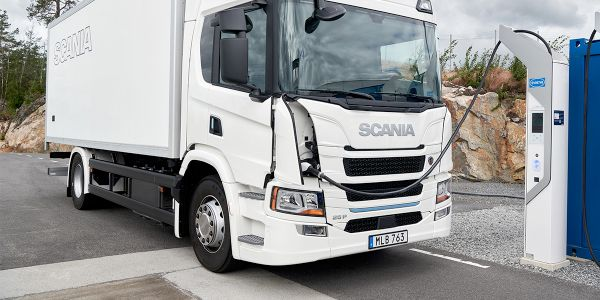 Scania Launches Plug-in Hybrid, Electric Trucks