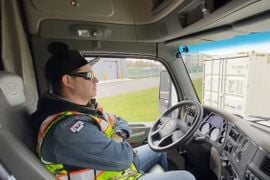 FMCSA Denies Request for Longer Workdays for Autonomous-Truck Drivers