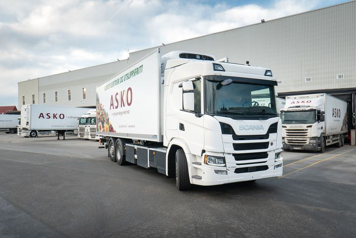 Traton's Scania brand is already testing hydrogen-trucks like the four with ASKO, Norway's largest grocery wholesaler. - Photo: Scania